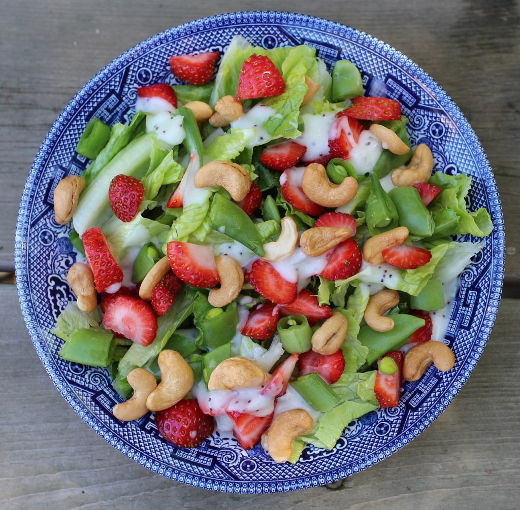 salad cashew strawberries fruit
