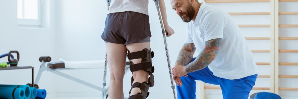 girl in physical therapy after suffering from one of the most common sport injuries